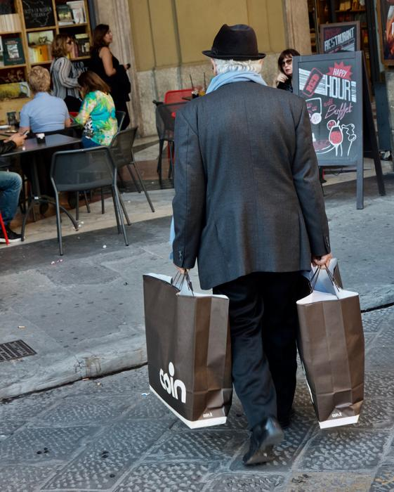 Shopper with Blue Scarf