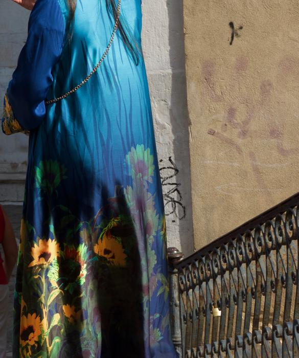 Blue Tunic with Sunflowers, Venice
